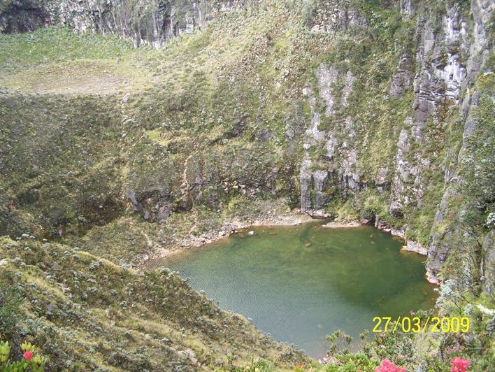 Kawah Sindoro ( foto masgay.wordpress )